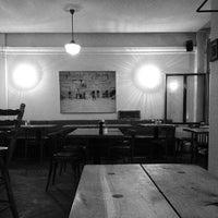 5/15/2013 tarihinde avtoportretziyaretçi tarafından Zula Hummus Café'de çekilen fotoğraf