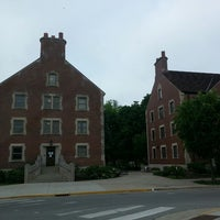 Photo taken at University Hall (UNIV) by Dalyoun W. on 5/29/2014