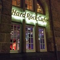 Das Foto wurde bei Hard Rock Cafe von Çağatay T. am 11/21/2013 aufgenommen