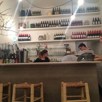 Photo taken at Mama's Café by Xavi C. on 9/7/2015