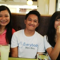 Photo taken at Grill Hub by Eljay M. on 5/28/2014