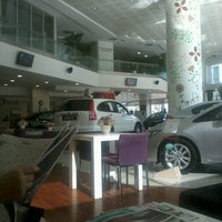 Photo taken at Honda Plaza Ayışığı by CeNK MuTLu♌️ on 9/25/2012