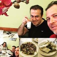 Foto scattata a Dilmon La Table d'Orient da Tolga Ş. il 4/30/2017