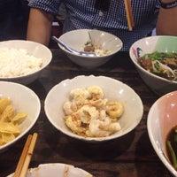Photo taken at Rue Thong Boat Noodle by Peeraya B. on 3/22/2017