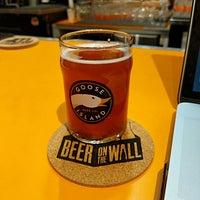 Foto tirada no(a) Beer on the Wall por Brian B. em 9/21/2018