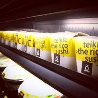 Foto diambil di Teikit Sushi Shop oleh Teikit Oficial pada 8/9/2014