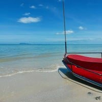 Photo taken at Lipa Bay Resort by Natalia M. on 7/22/2015
