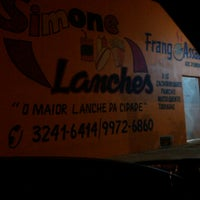 Photo taken at Simone Lanches by Djuly B. on 7/13/2014