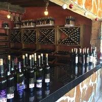 5/21/2017 tarihinde Sezer Y.ziyaretçi tarafından Yorgonun Mahzeni Şarap Evi'de çekilen fotoğraf