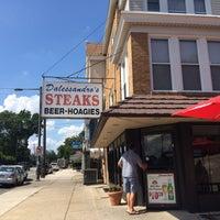 Das Foto wurde bei Dalessandro's Steaks and Hoagies von Mina K. am 8/13/2016 aufgenommen