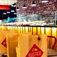 Foto tomada en Pizza Rústica por Carlos L. el 3/29/2015