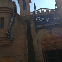 Photo taken at Museo Ripley by Carlos L. on 2/2/2013