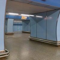 รูปภาพถ่ายที่ Metro =B= Vysočanská โดย Tereza เมื่อ 2/18/2015