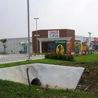 Photo taken at Tesco Lotus by Sittidej N. on 11/21/2012
