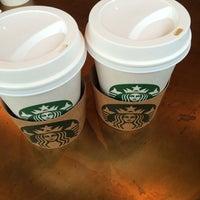 3/10/2014 tarihinde Oznur F.ziyaretçi tarafından Starbucks'de çekilen fotoğraf