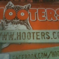 Photo taken at Hooters of Princeton by Willie M. on 8/5/2012