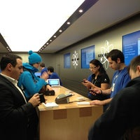 Photo taken at Apple Bahnhofstrasse by Philipp C. on 2/19/2013
