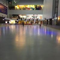 Снимок сделан в Ледовая Арена / Каток Шато Ледо пользователем Maria N. 3/22/2016