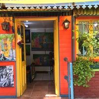 Foto tirada no(a) La Boca por Wendell V. em 2/24/2017