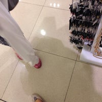 Photo taken at Forever 21 by Fatin Najiha on 8/14/2014