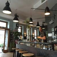 Das Foto wurde bei Cafe Menta von Tom M. am 6/19/2015 aufgenommen