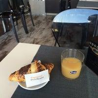 Photo taken at MangiaRè Lounge Cafè by 🐈Giobigot🐈 on 7/10/2014