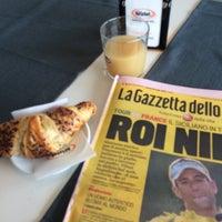 Photo taken at MangiaRè Lounge Cafè by 🐈Giobigot🐈 on 7/28/2014