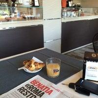 Photo taken at MangiaRè Lounge Cafè by 🐈Giobigot🐈 on 7/22/2014