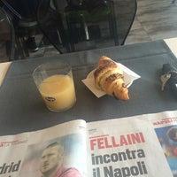 Photo taken at MangiaRè Lounge Cafè by 🐈Giobigot🐈 on 7/29/2014