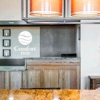 Photo taken at Comfort Inn by Yext Y. on 8/18/2016