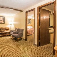 Photo taken at Econo Lodge Inn & Suites Lincoln by Yext Y. on 9/19/2017