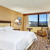Photo taken at Sheraton Denver West Hotel by Yext Y. on 2/5/2017