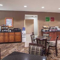 Photo taken at Comfort Inn & Suites - Lees Summit by Yext Y. on 9/18/2017