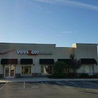 Photo taken at Verizon by Yext Y. on 11/22/2016