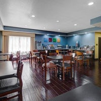 Photo taken at Comfort Suites Lake Ray Hubbard by Yext Y. on 3/20/2017