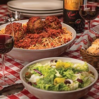 Photo taken at Buca di Beppo Italian Restaurant by Yext Y. on 4/4/2017