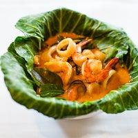 Foto tomada en E-San Thai Cuisine por Yext Y. el 7/13/2016