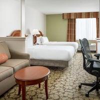 Photo taken at Hilton Garden Inn Philadelphia Center City by Yext Y. on 5/2/2017