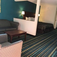 Photo taken at Best Western Tallahassee-Downtown Inn & Suites by Yext Y. on 3/25/2018