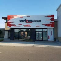 Photo taken at Verizon by Yext Y. on 10/8/2016