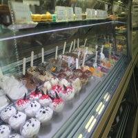 Photo taken at Cafè degli Amici by Yext Y. on 10/8/2016
