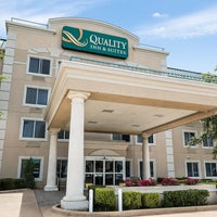 Photo taken at Quality Inn & Suites by Yext Y. on 6/23/2016