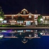 Photo taken at Stonebridge Manor by Yext Y. on 2/10/2017