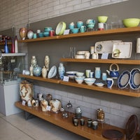 Photo taken at Canadian Clay & Glass Gallery by Yext Y. on 7/29/2017