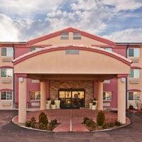 Photo taken at Holiday Inn Express Santa Fe Cerrillos by Yext Y. on 2/28/2017