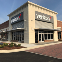 Photo taken at Verizon by Yext Y. on 4/5/2017