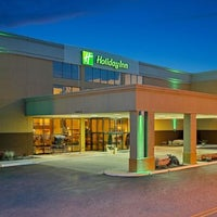 Photo taken at Holiday Inn Morgantown/Pa Turnpike Ex 298 by Yext Y. on 2/28/2017