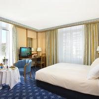 Photo prise au Best Western Plus Hotel Mirabeau par Yext Y. le7/25/2017