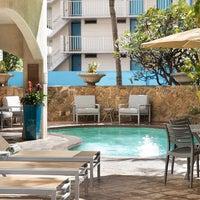 Photo taken at Coconut Waikiki Hotel by Yext Y. on 7/19/2017