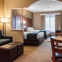 Photo taken at Comfort Suites Scranton Hotel Moosic by Yext Y. on 7/1/2016